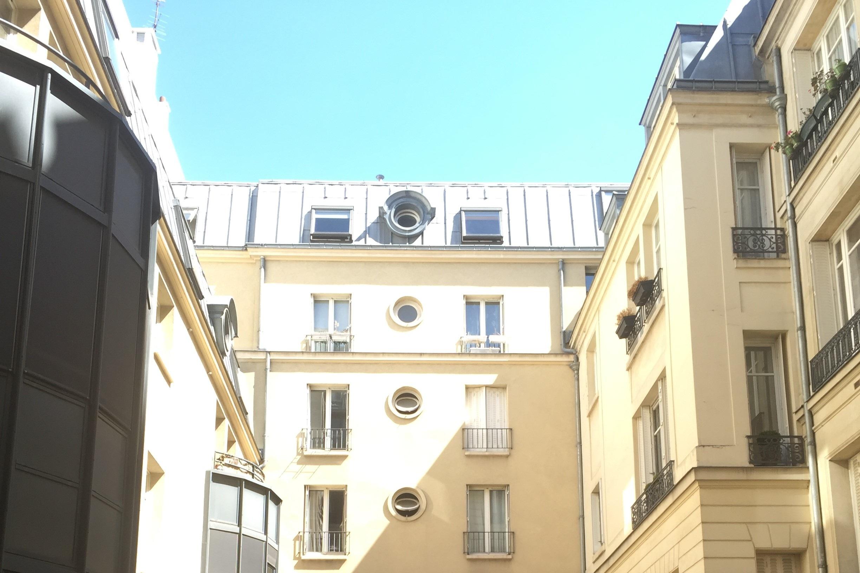 3 Courtyard 52 Clichy.jpg