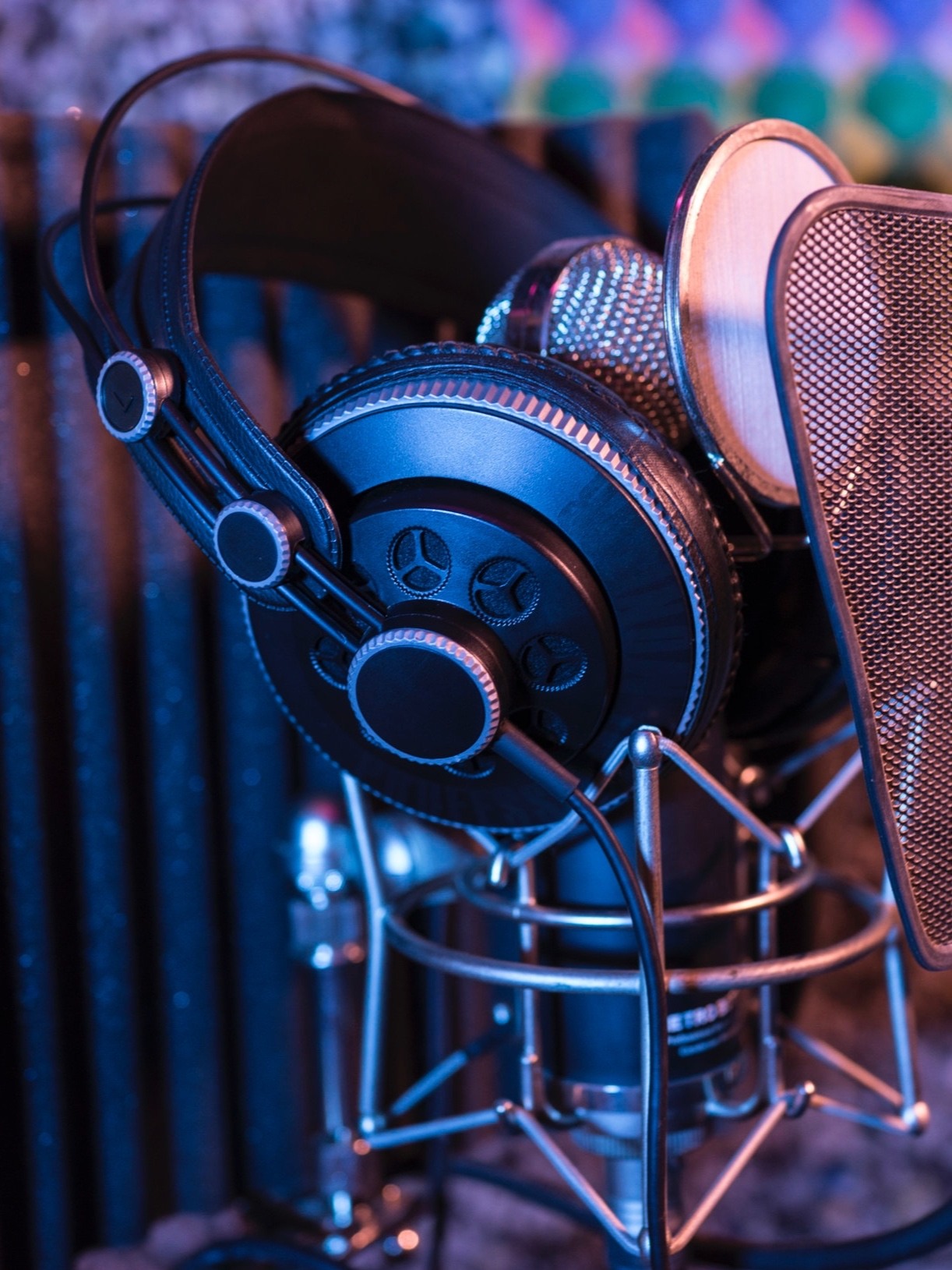 vocal only demos - Starting at $99 / SongIf you already have a track recorded and simply need a vocal, we have professional male and female vocalists available. We specialize in a number of contemporary and classic styles, including Country, Pop, and Rock.