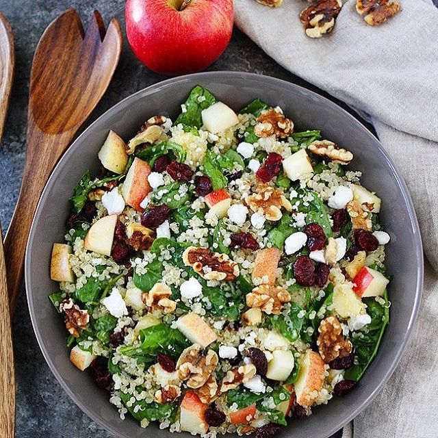 New! on the WeeklyHarvest Prepped Salad Menu: Our Apple Walnut Salad! 🍎 Including our specialty super greens mix, topped with freshly sliced apples, walnuts, craisins, gorgonzola cheese, and cucumbers. Order yours at the link in our bio! . . . #applewalnut #saladrecipes #salad #greens #healthyfood #healthyeating #healthylunch #healthydinner #mealprep #officelunch #lunch #cleaneating #fitness #saladbowl #lunchdelivery #transformation #keto #paleo #vegan #vegetarianmeals #weeklyharvest #connecticutfood #meridenct