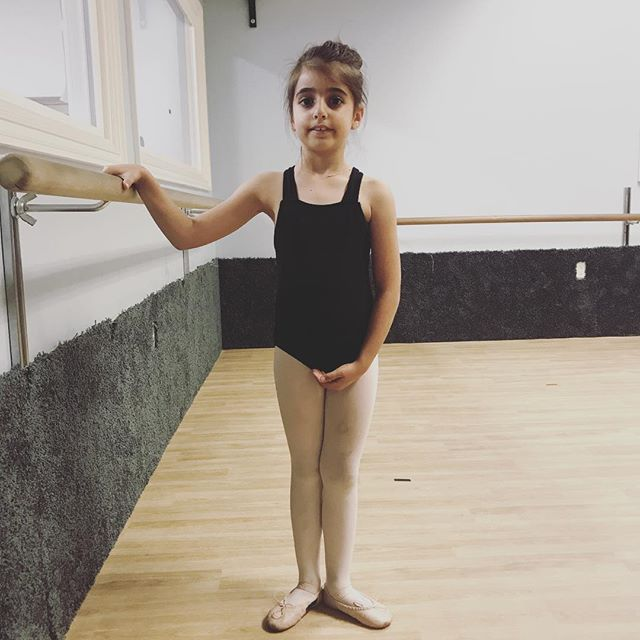 Congratulations to Eve for being ballet kid of the week in ballet I! We are so proud of you for working so hard in class. Keep up the great work!✨