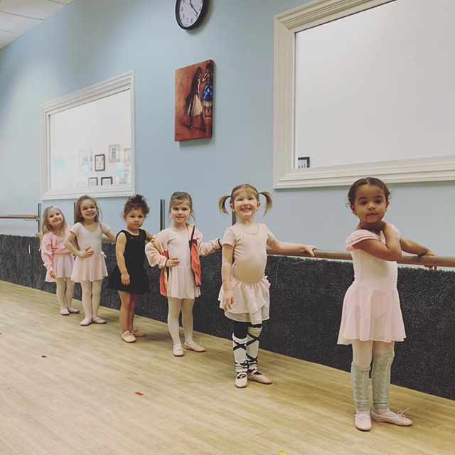 1...2...3... Say Cheese!👯‍♀️🎀 . . . . . #shermanoakssdm #dance #kidsdance