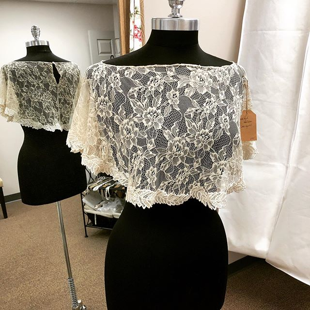 Did you know that we have beautiful, handmade accessories for sale?? 🧵The lace capelet is one of my personal faves😊 • • •  #supportlocal #supportlocalbusiness #shopsmall #shoplocal #smallbusiness #smallbusinessowner #sew #sewing #seamstress #bridal #bridalsewing #bridalalterations #seamstresslife #lifeofaseamstress #alterations #custom #customfit #brides #weddings #tennesseeweddings #knoxvillebride #knoxvilleweddings #weddinggowns #bridalgowns #shesaidyes #realbrides #weddingplanning #thebigday #tietheknot