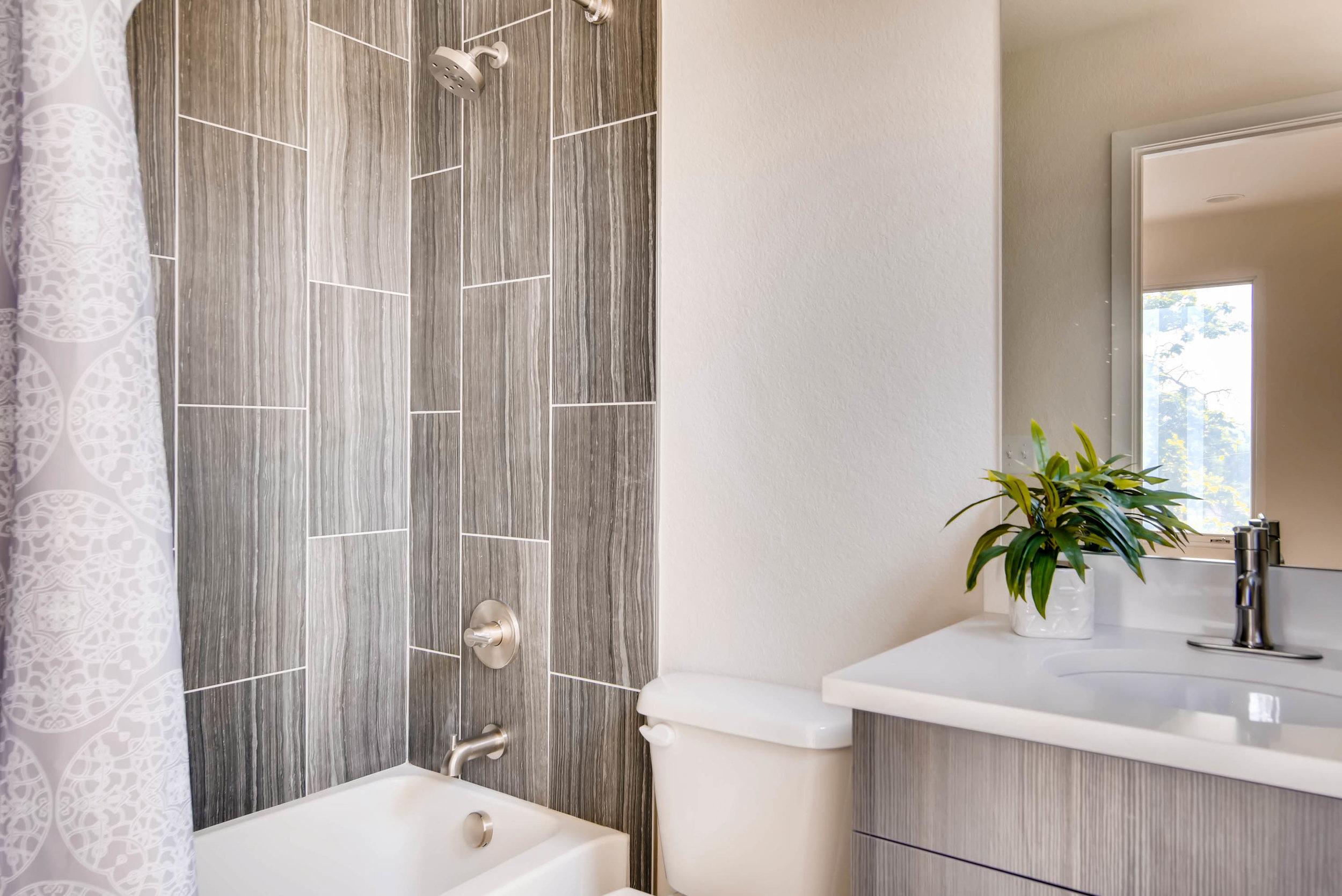 2014 S Downing Street Denver-print-021-2-2nd Floor Bathroom-3000x2003-300dpi.jpg