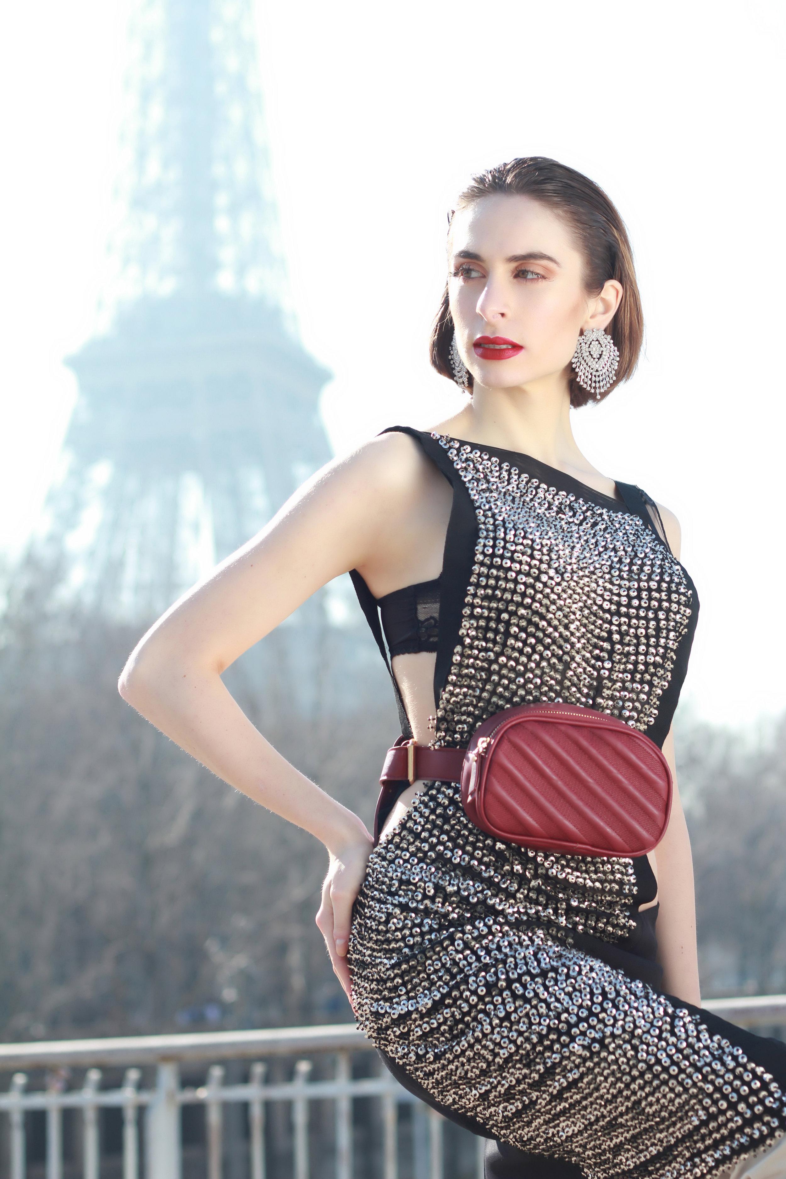 Dress : « The Uranie », Moira Cristescu  Bag : Michael Kors  Earring : Marina de Kent