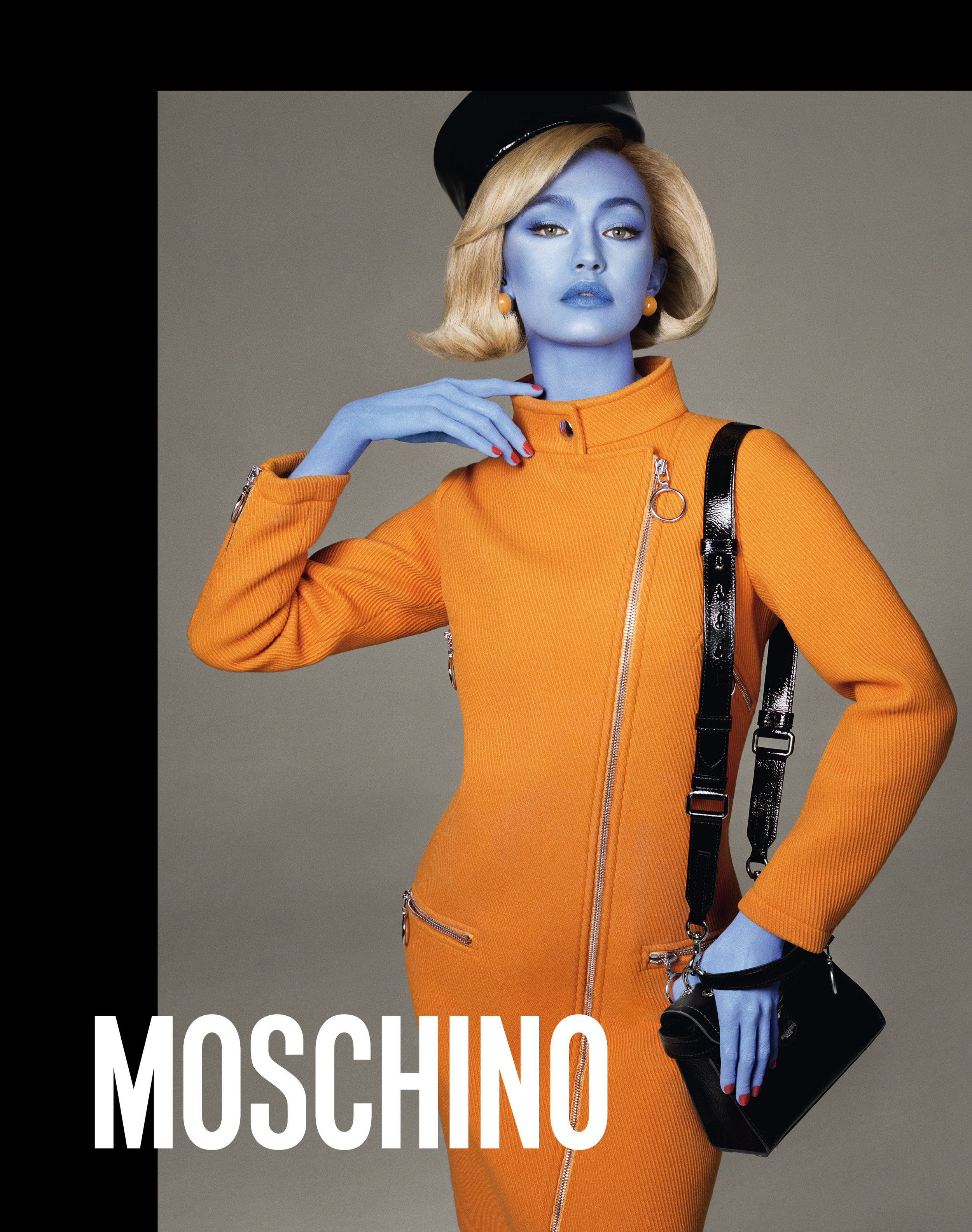 Moschino_1_fa_moschino_fw_18_19_adv_campaign_images_-_gigi_hadid.jpg