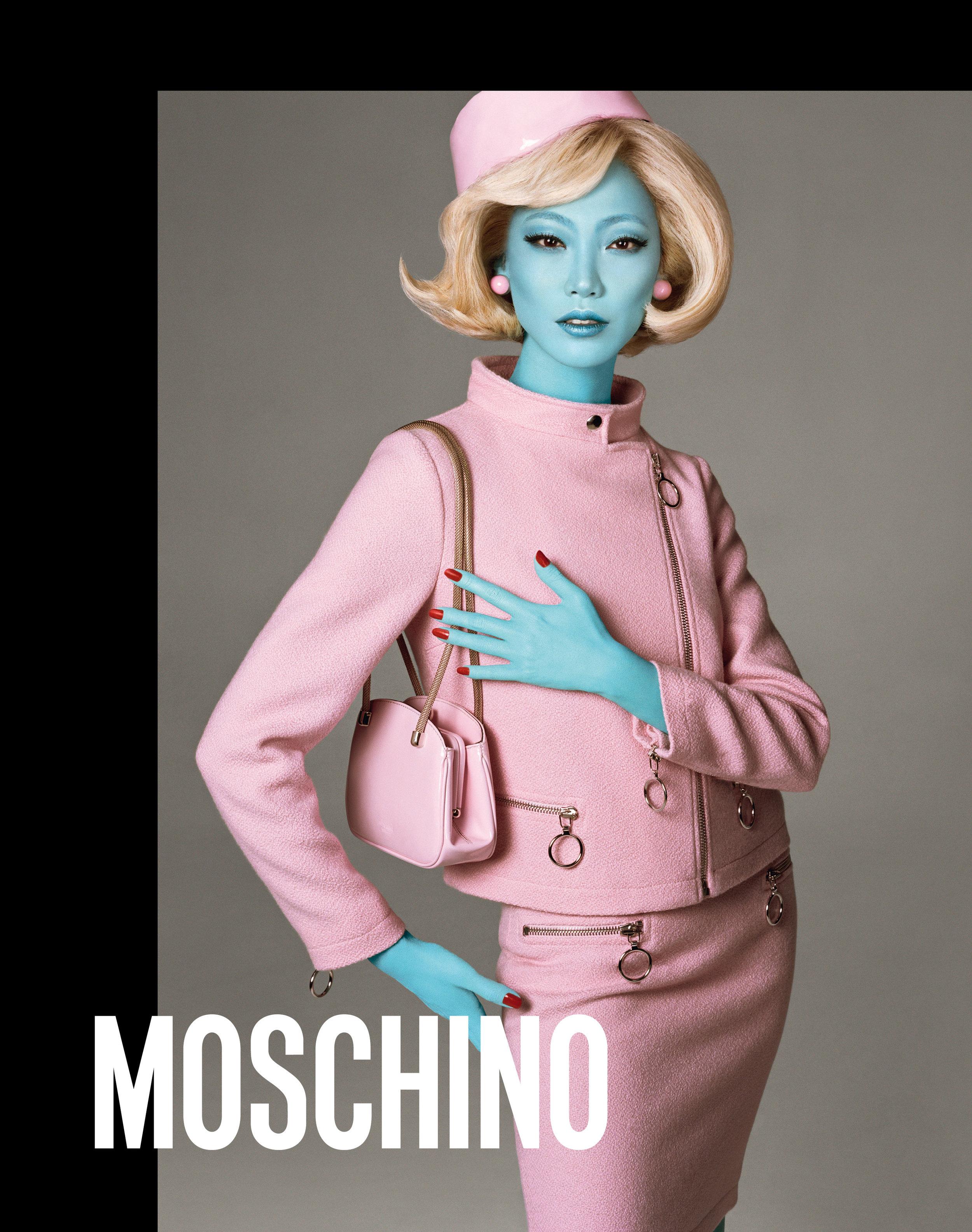 Moschino_4_90_moschino_fw_18_19_adv_campaign_images_-_soo-joo_park.jpg