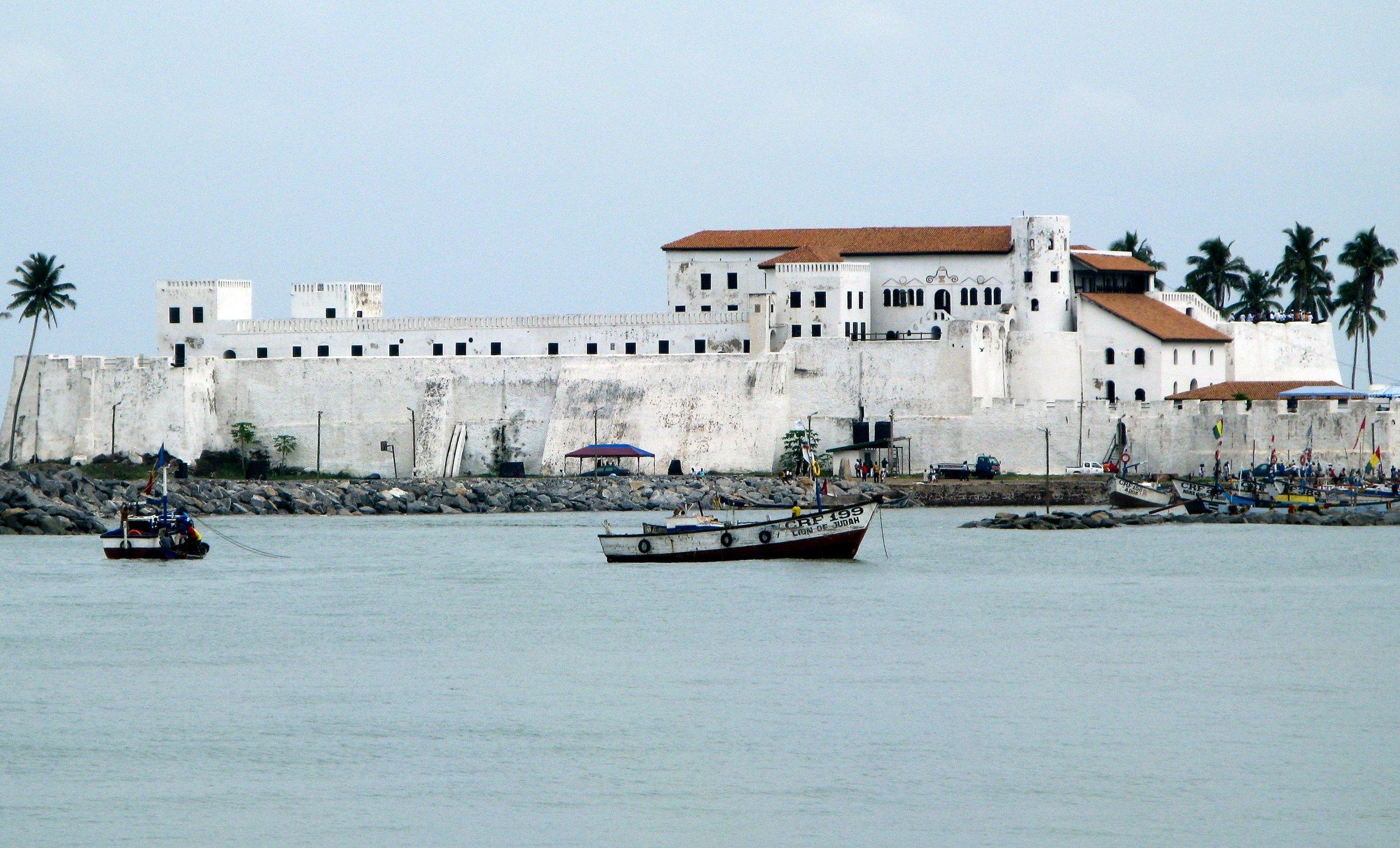 elmina-castle-in-ghana-7450544-min.jpg