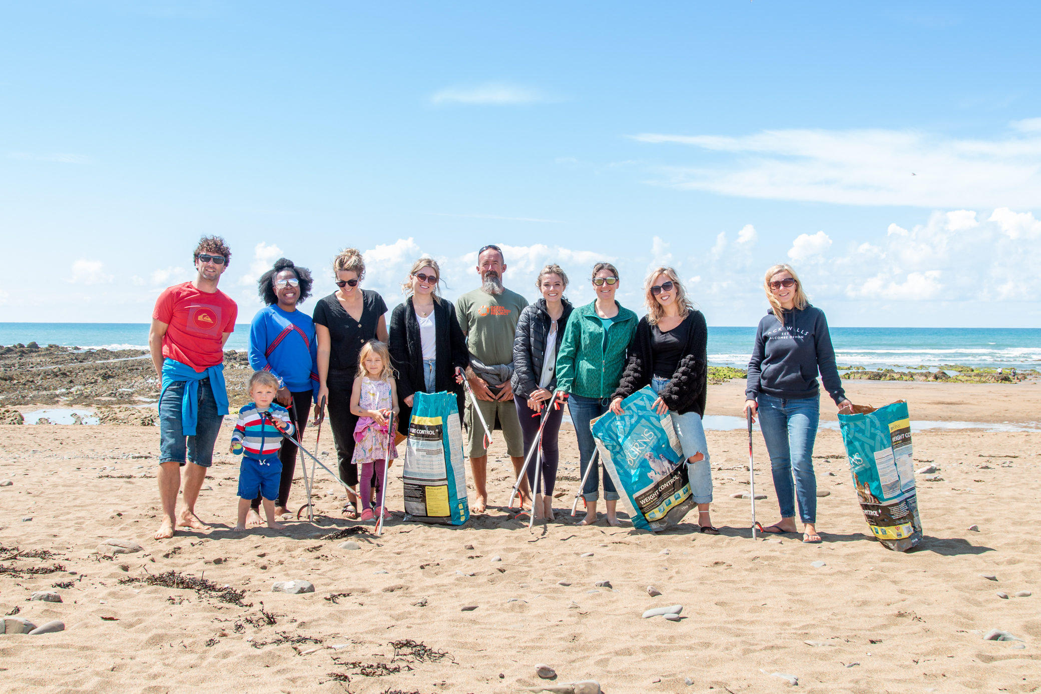 beach clean in cornwall