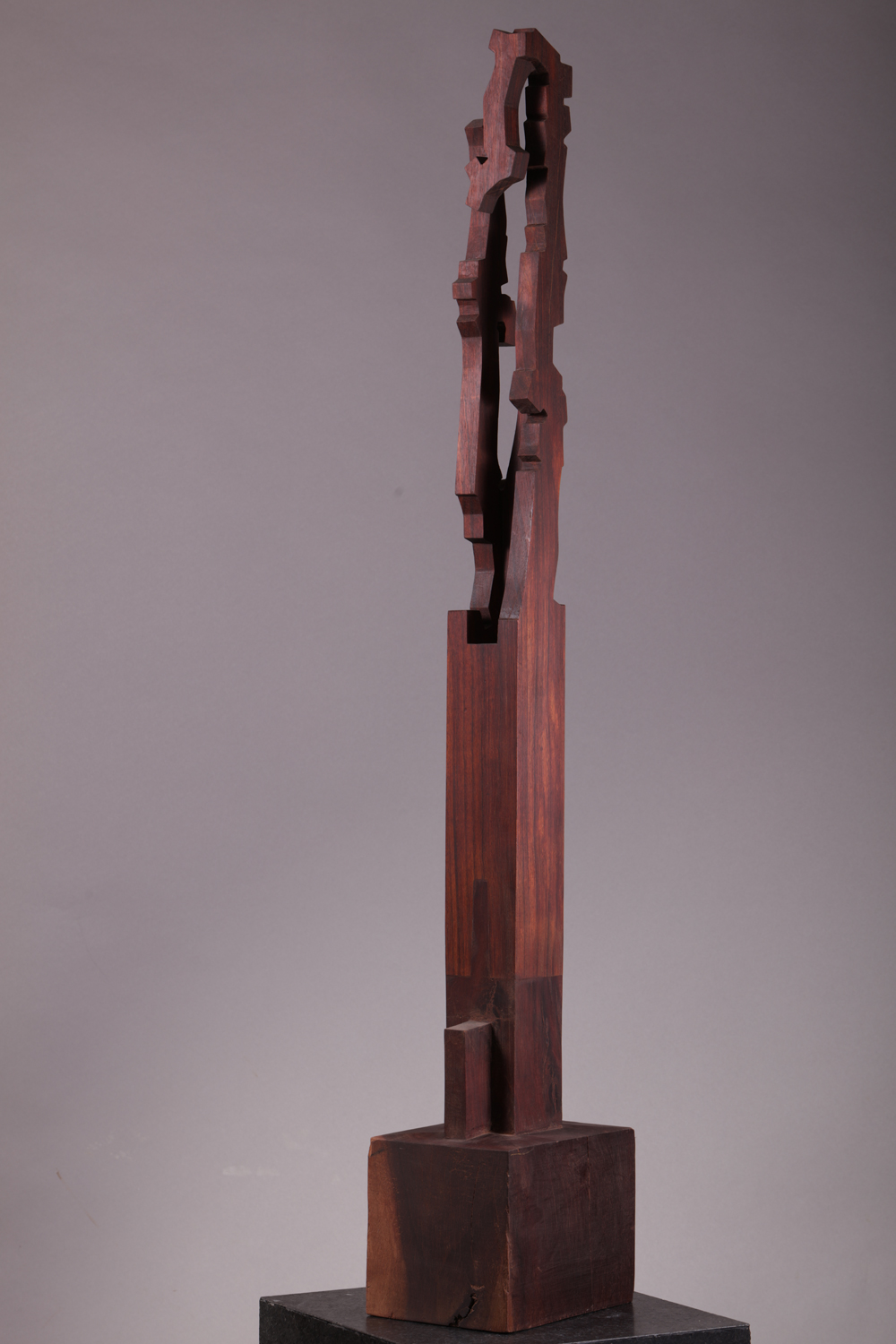 web222-sculpture-Jorge-Yazpik-wood-sculpture-stele-direct-carving-marion-friedmann-gallery.jpg