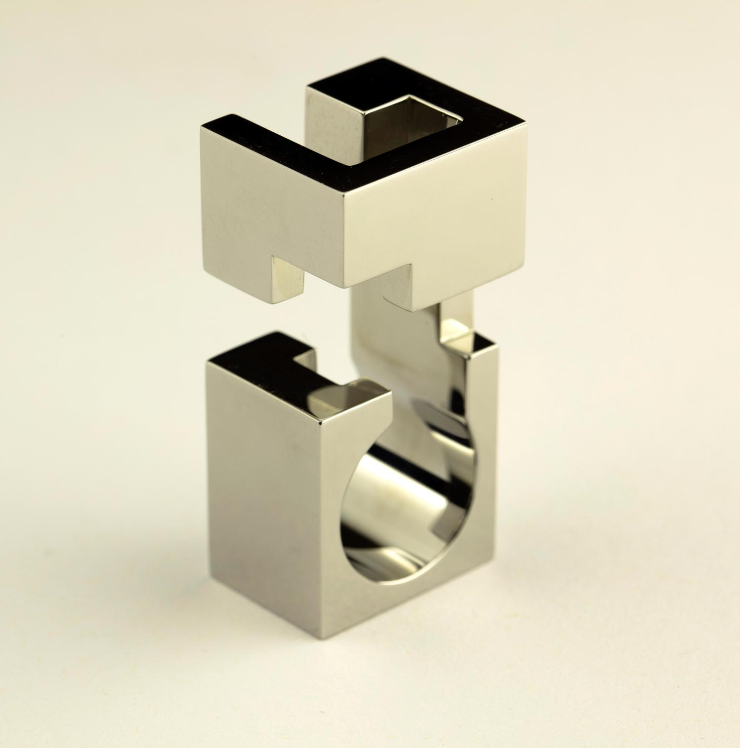 web222-Jorge-Yazpik-Steel-ring4-MarionFriedmannGallery-MexicoDesignTime.jpg