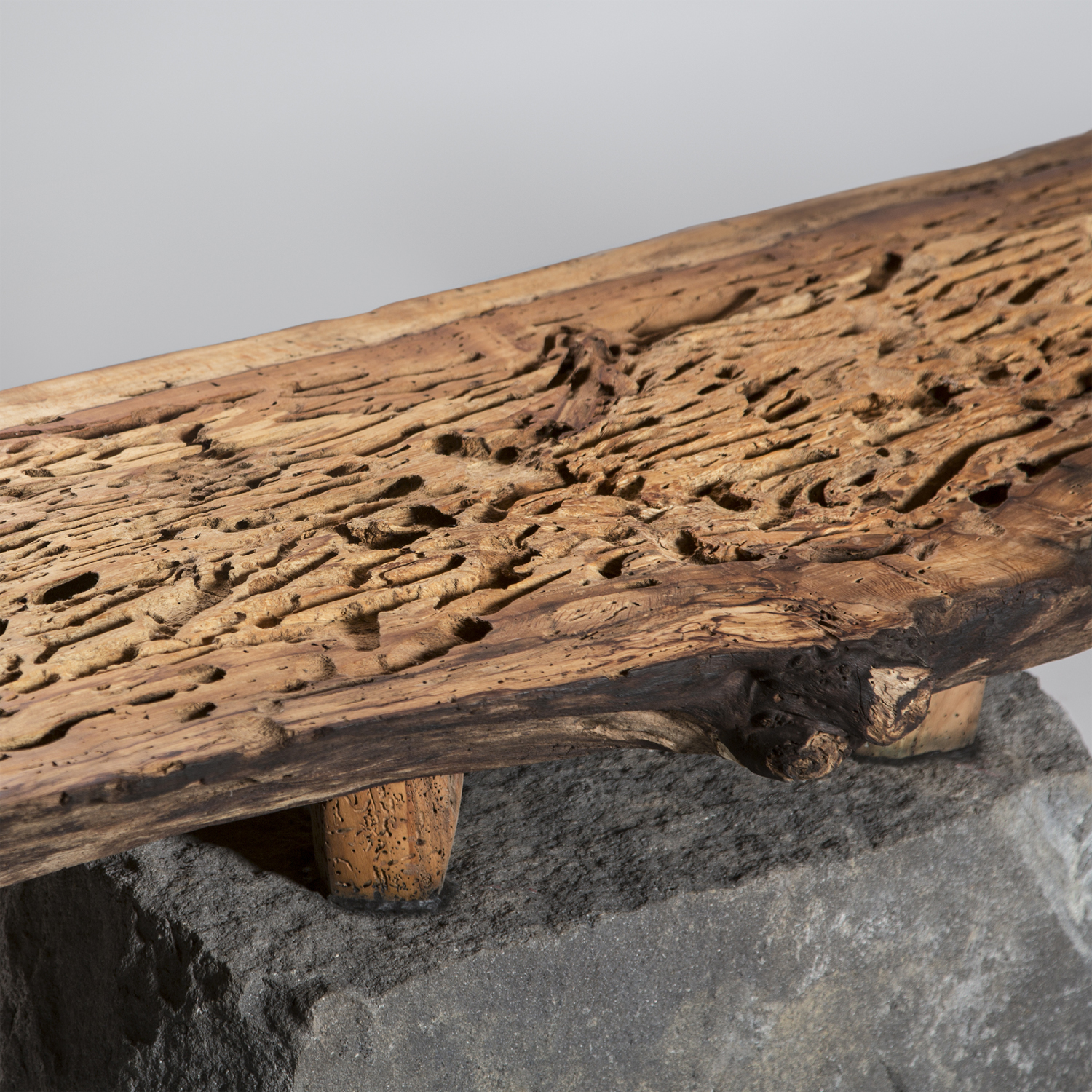 bench-salvaged-mexican-alder-wood-basalt-recinto-with-feet-shi-ho-julio-martinez-marion-friedmann-gallery-24-lr.jpg
