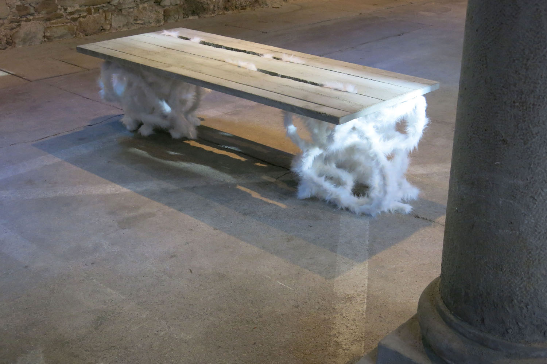 web222-IMG_8391_Marion-Friedmann-Gallery_Hipphalle_Gmunden_Noemi_Kiss_Concrete-pluesch-Table_side_view_photo_MFGallery-lr.jpg