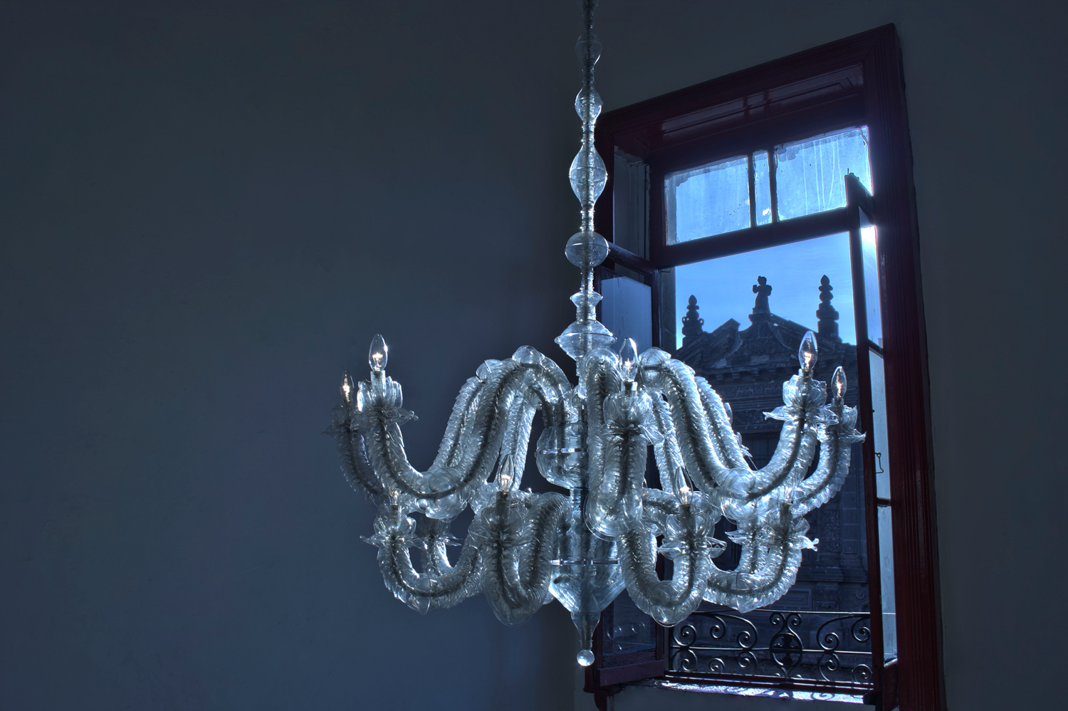 web222-thierry-jeannot-transmutation1-chandelier-at-dawn-mexico-city-marion-friedmann-gallery.jpg