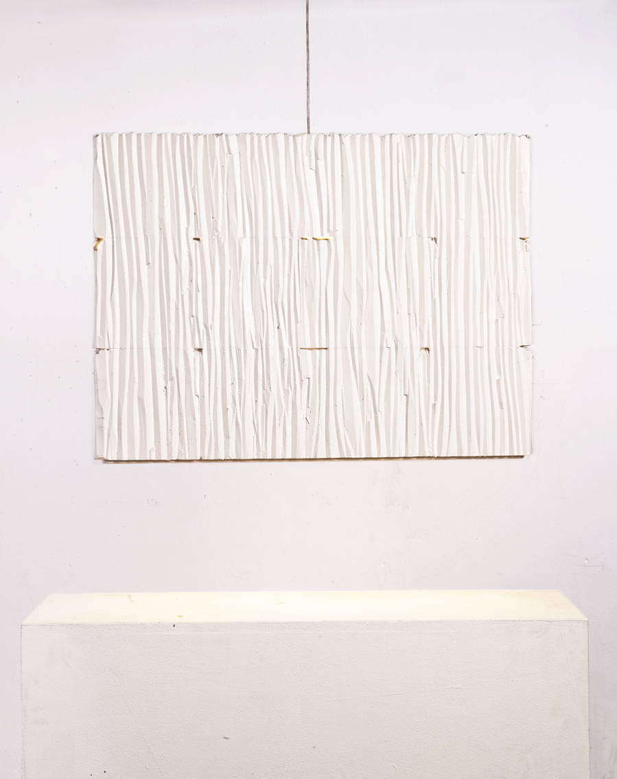 Gisela_Stiegler_3_floor_lamp_white_frontal_view_MarionFriedmannGallery_low_res.jpg