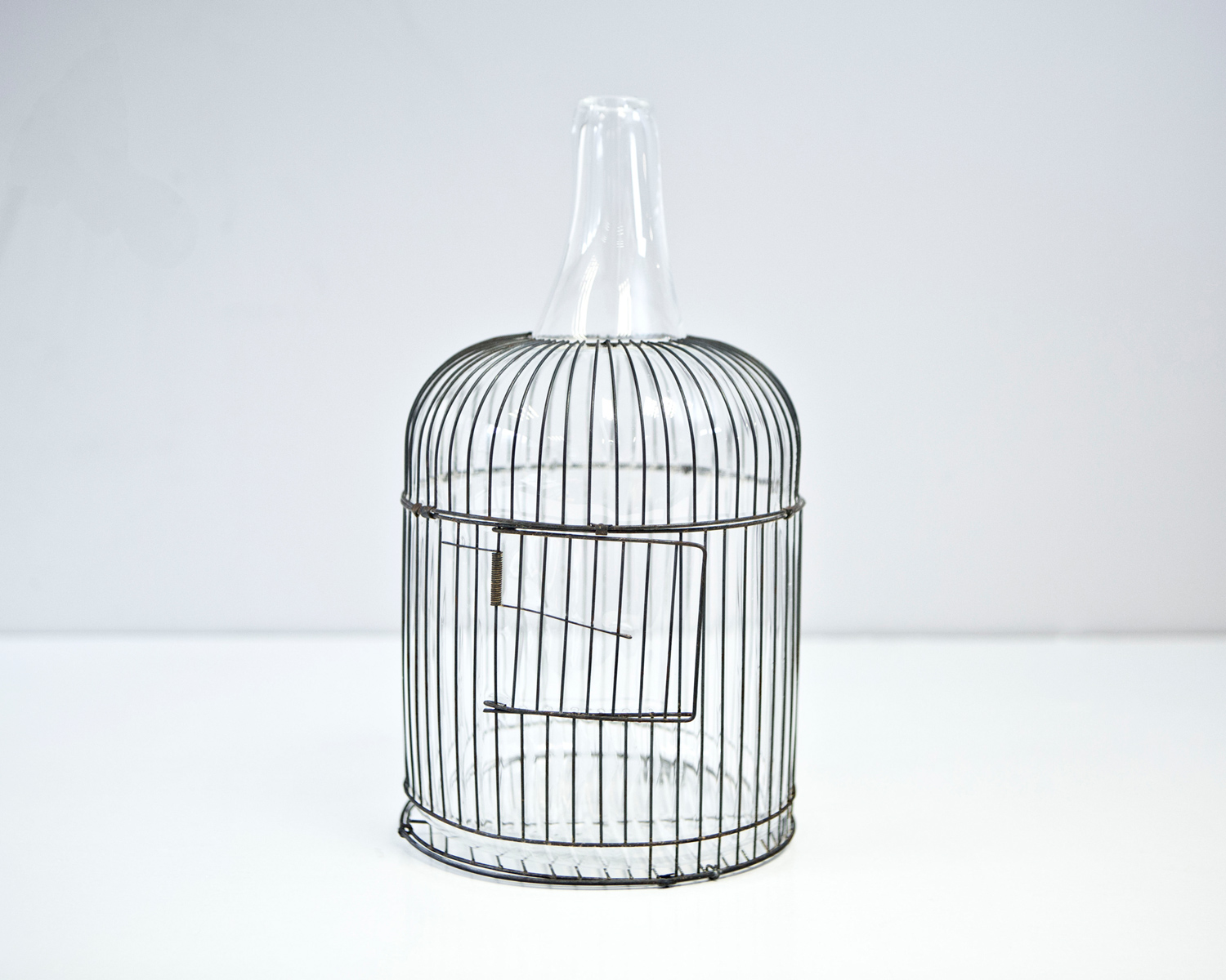 web222-gala-fernandez-nouvel-studio-mexico-transparent-cage-bottle-marion-friedmann-gallery.jpg