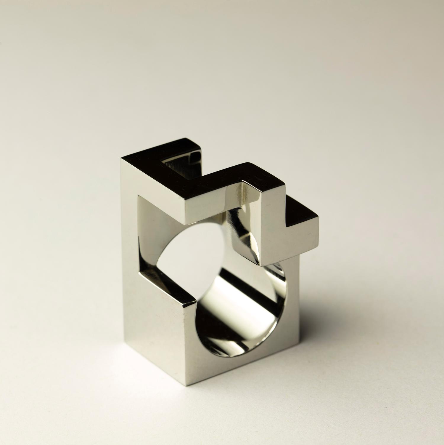 web222-Jorge-Yazpik-Steel-ring2-MarionFriedmannGallery-MexicoDesignTime.jpg