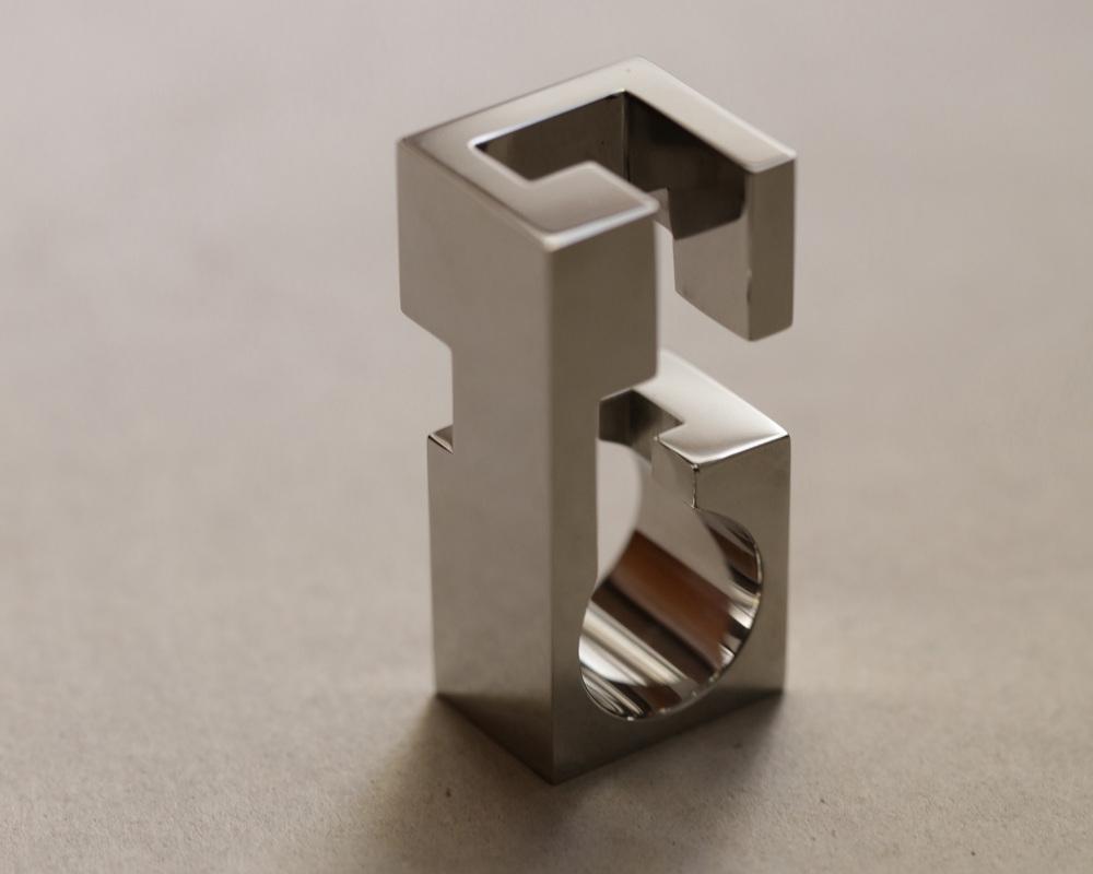 web222-Jorge-Yazpik-Marion-Friedmann-Gallery-Steel-ring2O2A4996-steel-ring.jpg