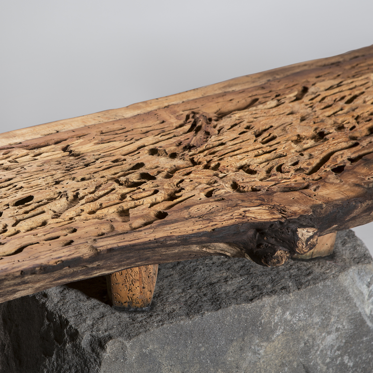 web2-bench-salvaged-mexican-alder-wood-basalt-recinto-with-feet-shi-ho-julio-martinez-marion-friedmann-gallery-24.jpg