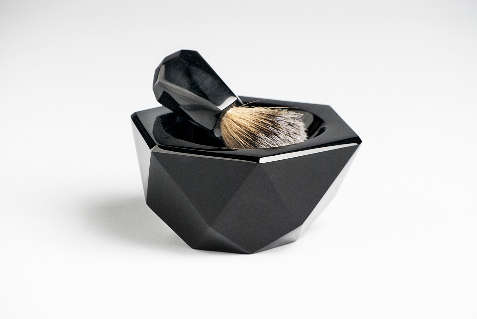 Obsidian-Shaving-accessories-designer-Ittaí González-artisan-Marcos Palma Cruz--Anahuac-MarionFriedmann-MexicoDesignTime9.jpg