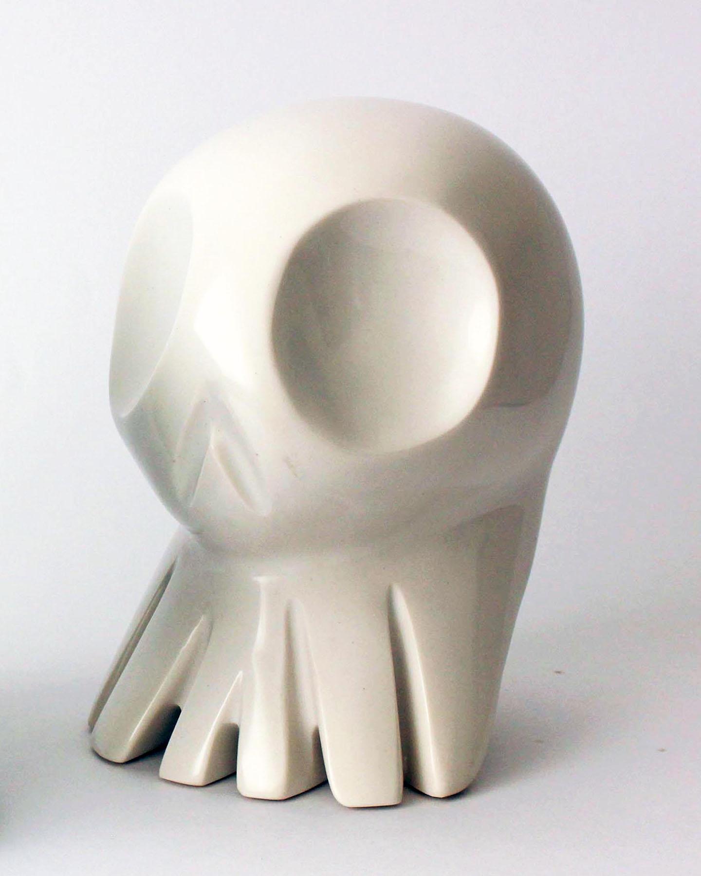 web222-Alieno-white-resin-Silvino-Lopeztovar-Mexico-Design-Time.jpg
