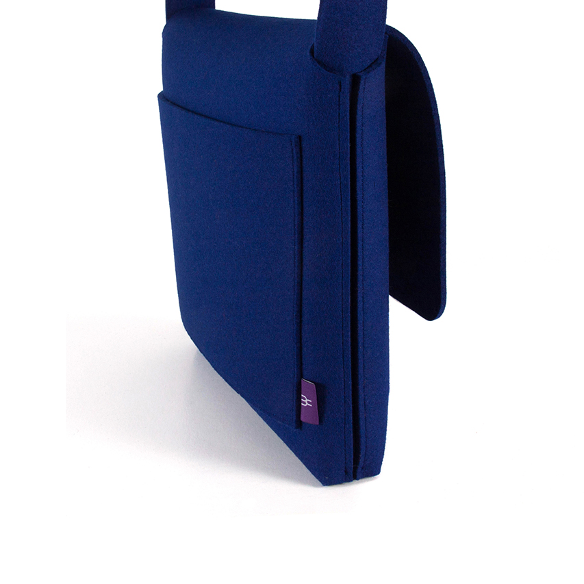 web2-Messenger-bag-blue-felt-by-Feltum-Mexico-Design-Time.jpg