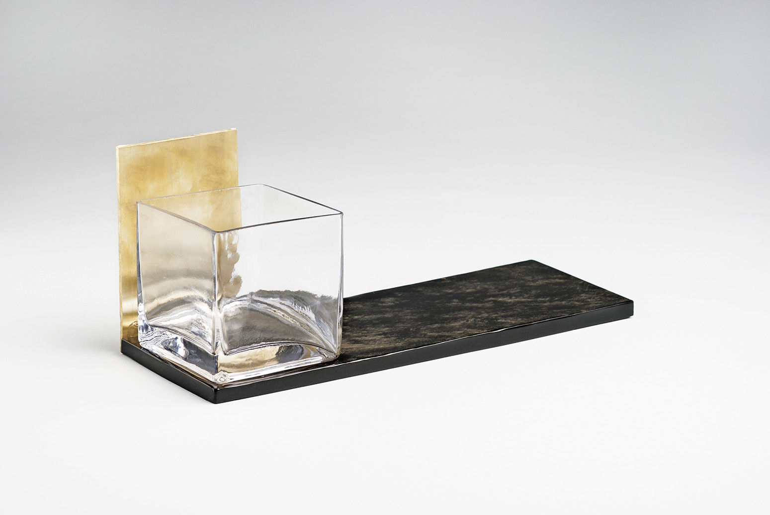 Obsidan-Glass-tablet-design-Ana-Karla-Contreras-artisan-Gregorio-Trejo-Cruz-Anahuac-MarionFriedmann-MexicoDesignTime1.jpg