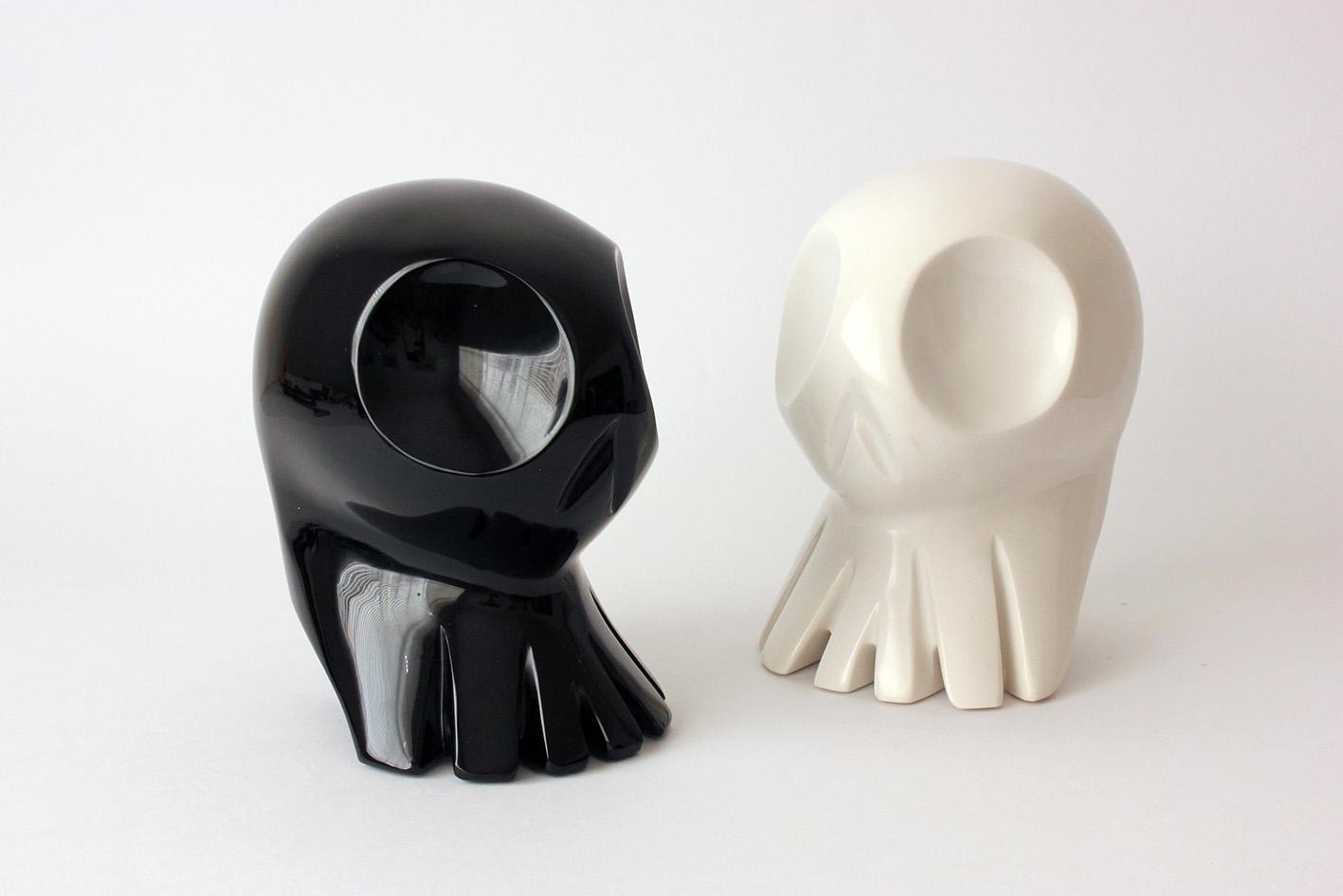 Obsidian-and-resin-Alieno-sculptures3.jpg