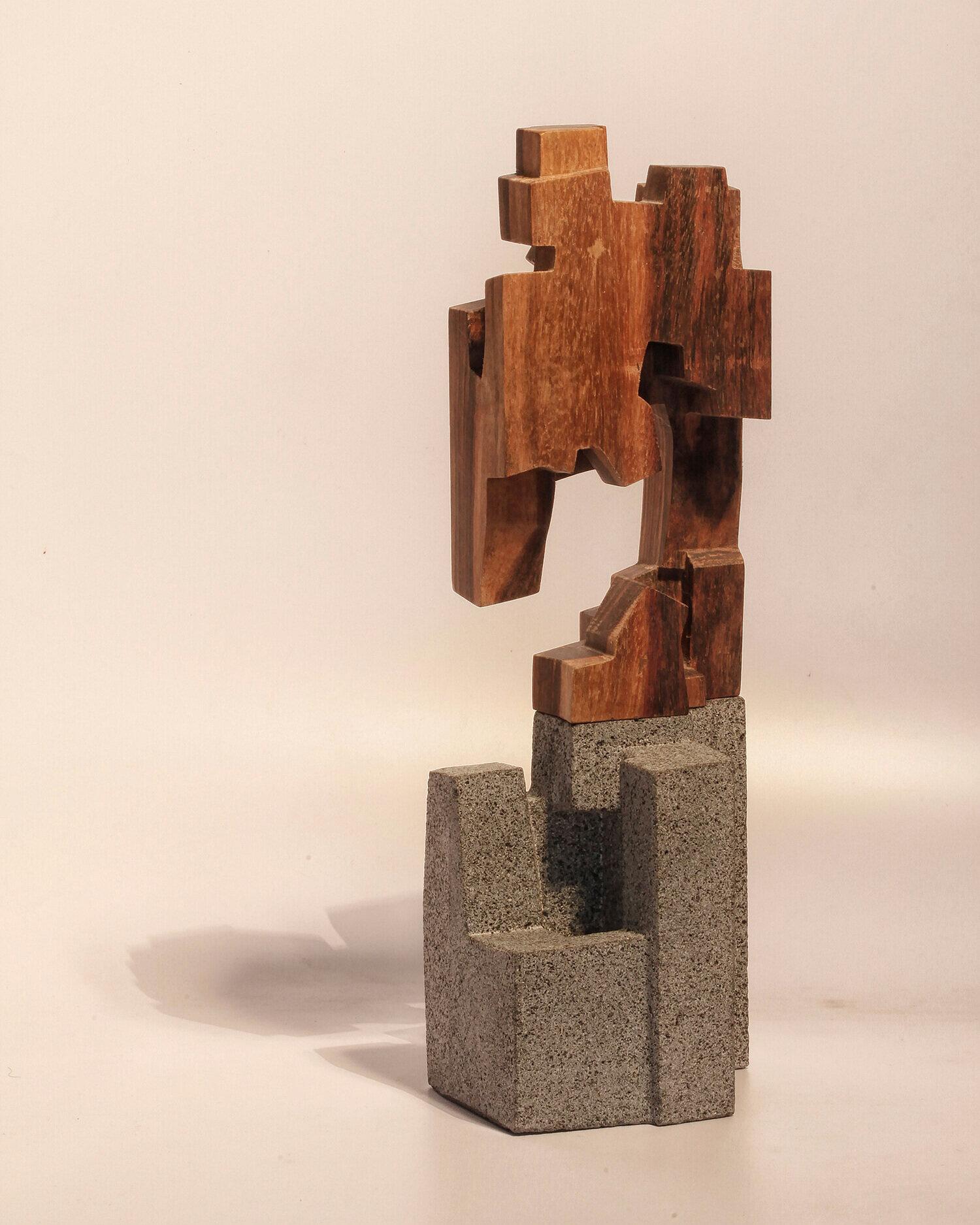 web-sin-titulo-untitled-sculpture-wood-volcanic-stone-3Jorge-Yazpik-MarionFriedmannGallerylr.jpg