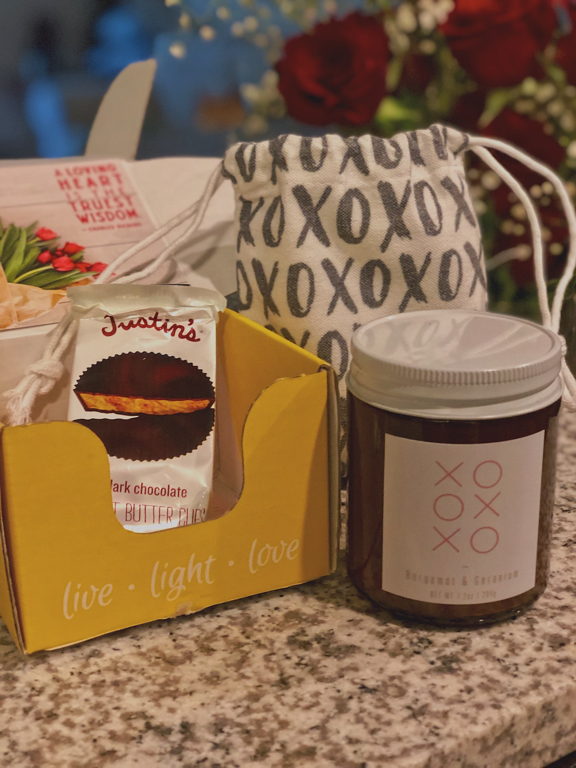 Vellabox - Ignis Box Monthly Gift$20 / month8 oz candle50 hours of burn time