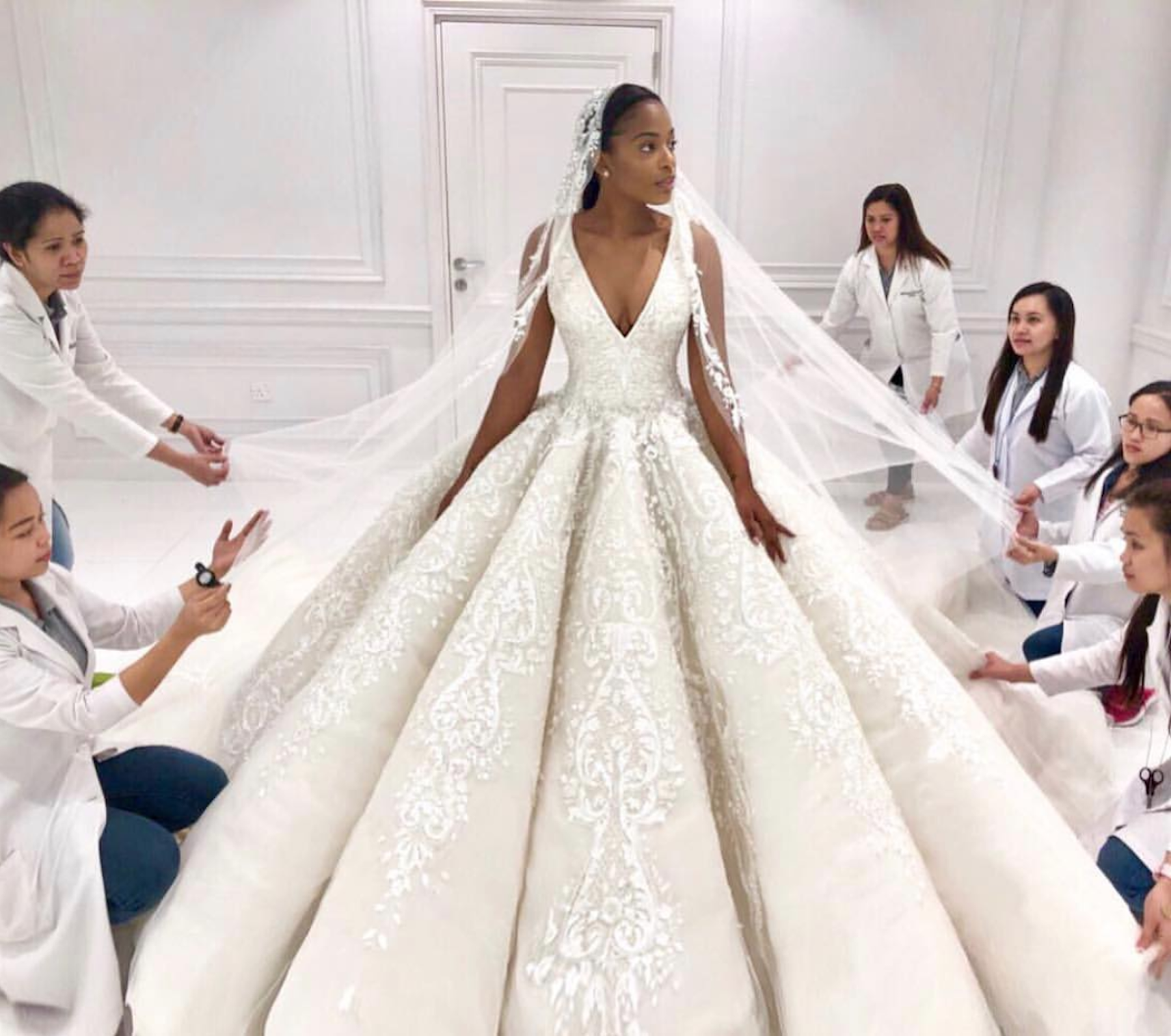 This real bride took our breath away in a Michael Cinco ball gown. - The beauty was made of tulle, lace, paillette, pearls, and Swarovski crystals.Photo via Michael Cinco.