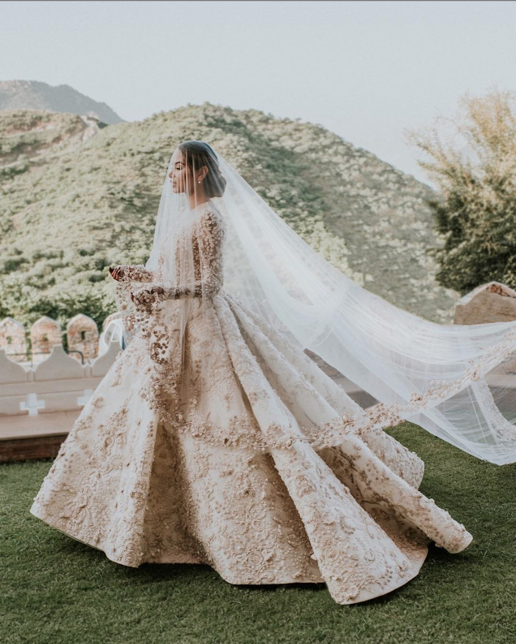 Diipa Büller-Khosla was a vision in an out of this world Ashi Studio ball gown. - The custom-made number's rich cream color highlighted its stunning details.Photo by Fih Fotografie.