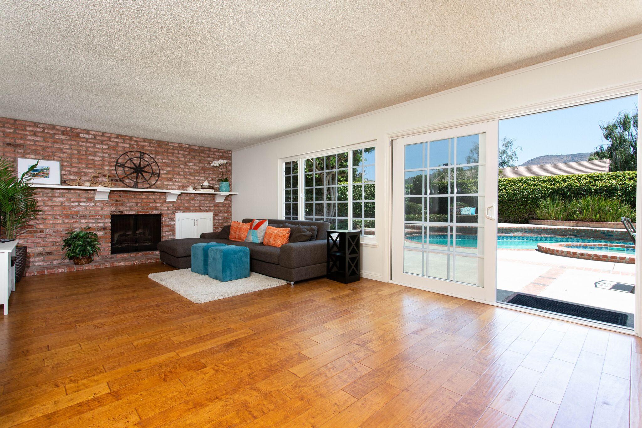 Living room - sliding door.jpeg