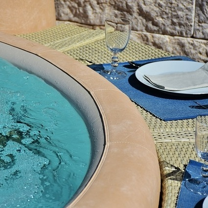 Avoid spilling food or beverages in the pool.