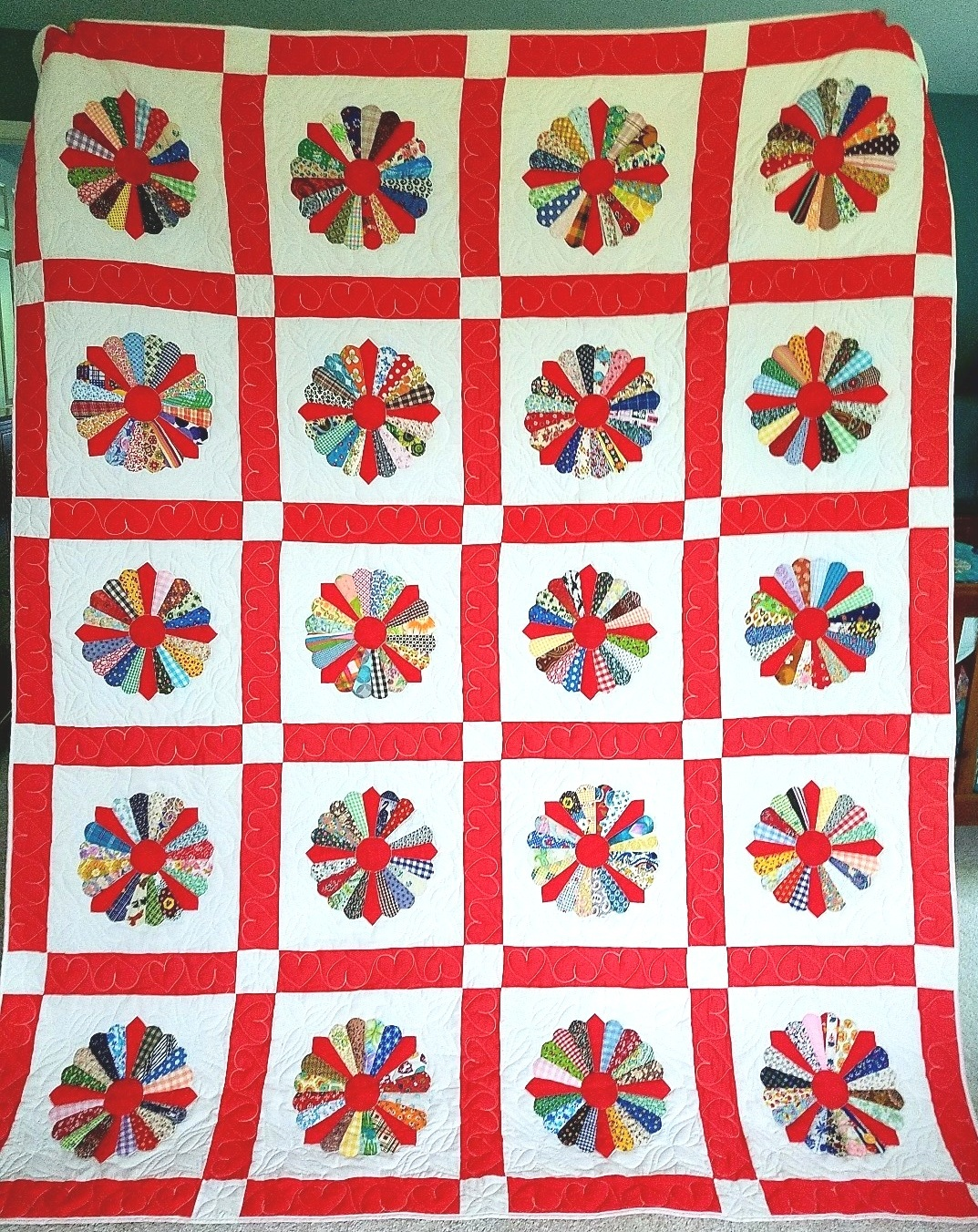 Raffle quilt for Autumn Comforts quilt show in 1982.