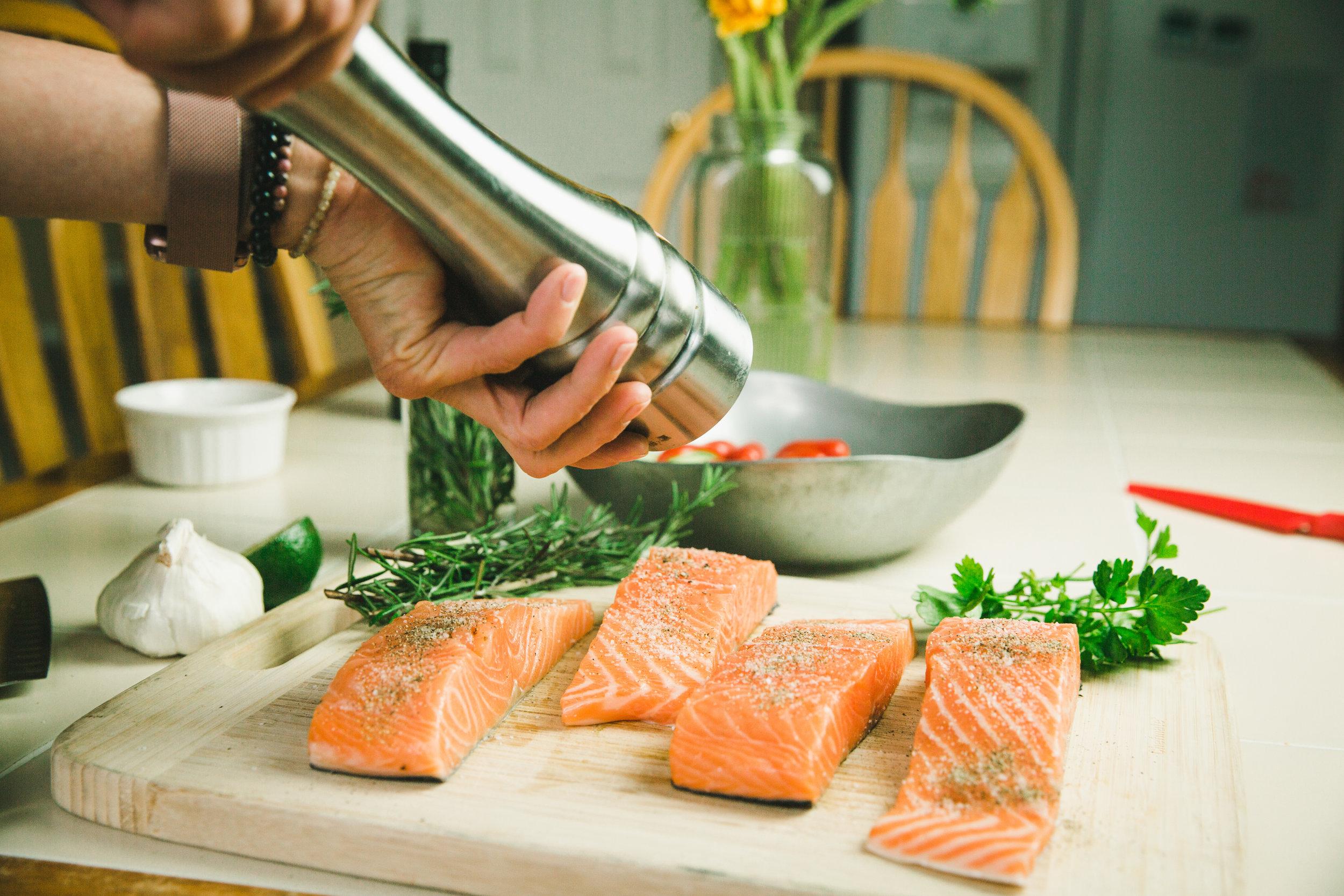 Step 2 - Sprinkle each salmon generously with kosher salt, garlic granules and ground pepper.