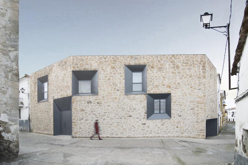 Stone House - Ramiro Losada-Amor - Alberto Garcia Jimenez 03.jpg