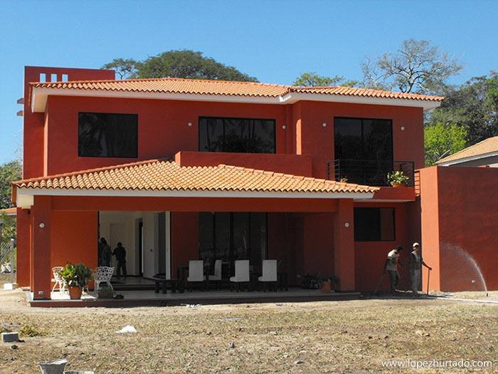 001 - La Hacienda.jpg