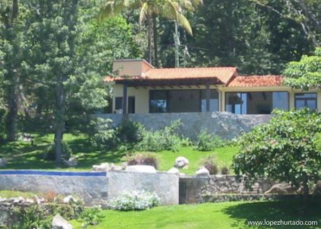 002 - Lago de Coatepeque.jpg
