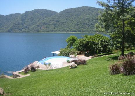 004 - Lago de Coatepeque.jpg