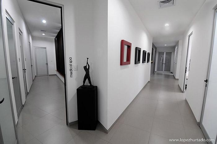 003 - Clinica Zaldivar.jpg