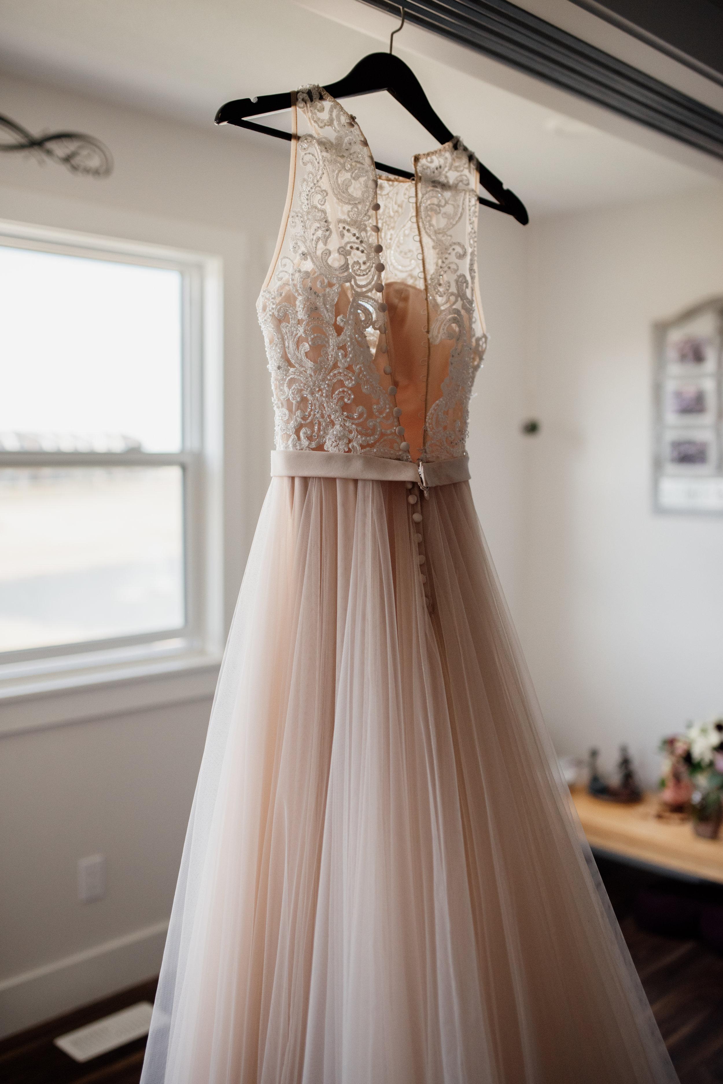Edmonton Wedding Photographer | Rockwood Photography | Wedding dress