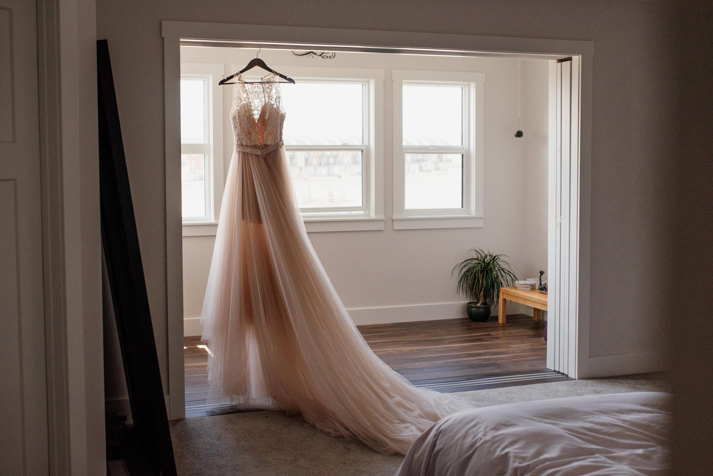 Edmonton Wedding | Edmonton Wedding Photographer | Wedding Dress