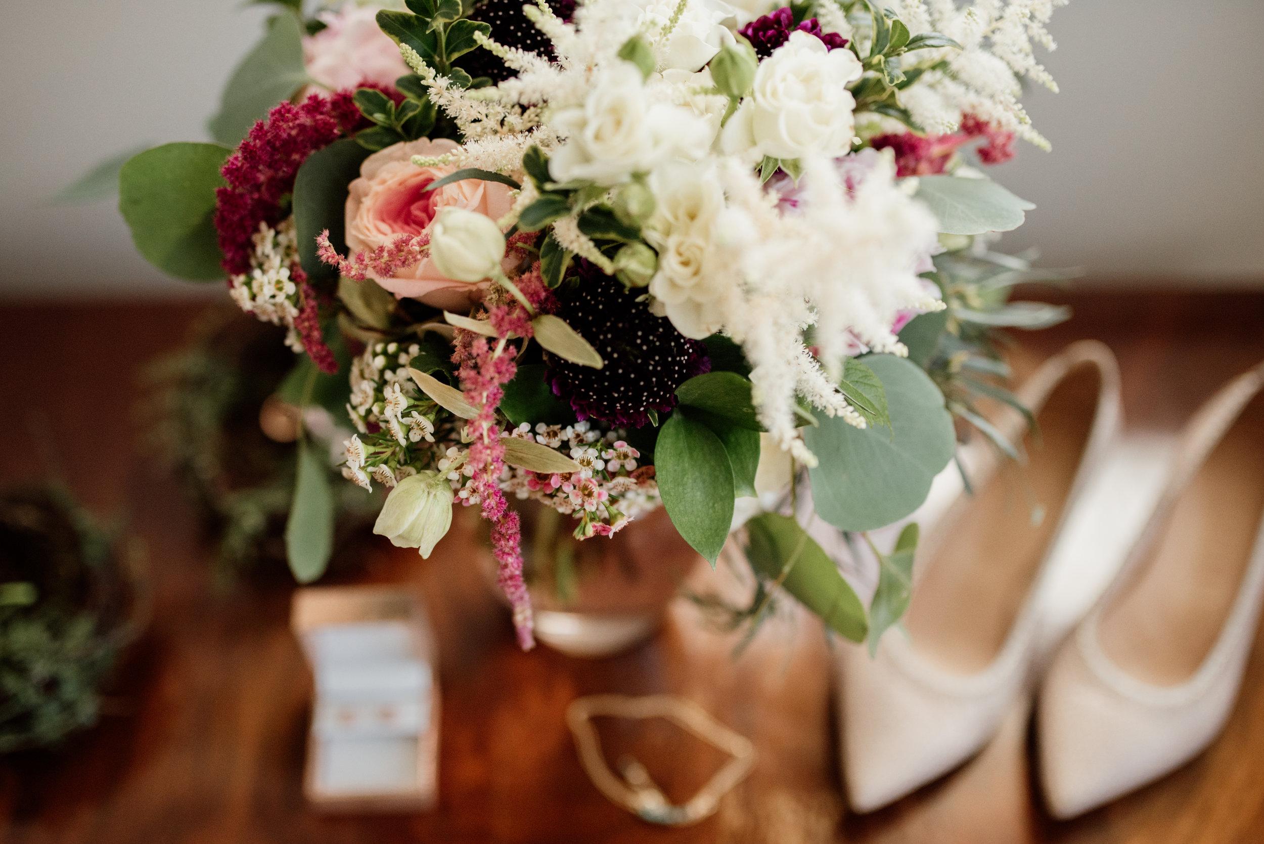 Florals | Wedding flowers | Wedding | Edmonton Wedding | Edmonton Wedding Photographer