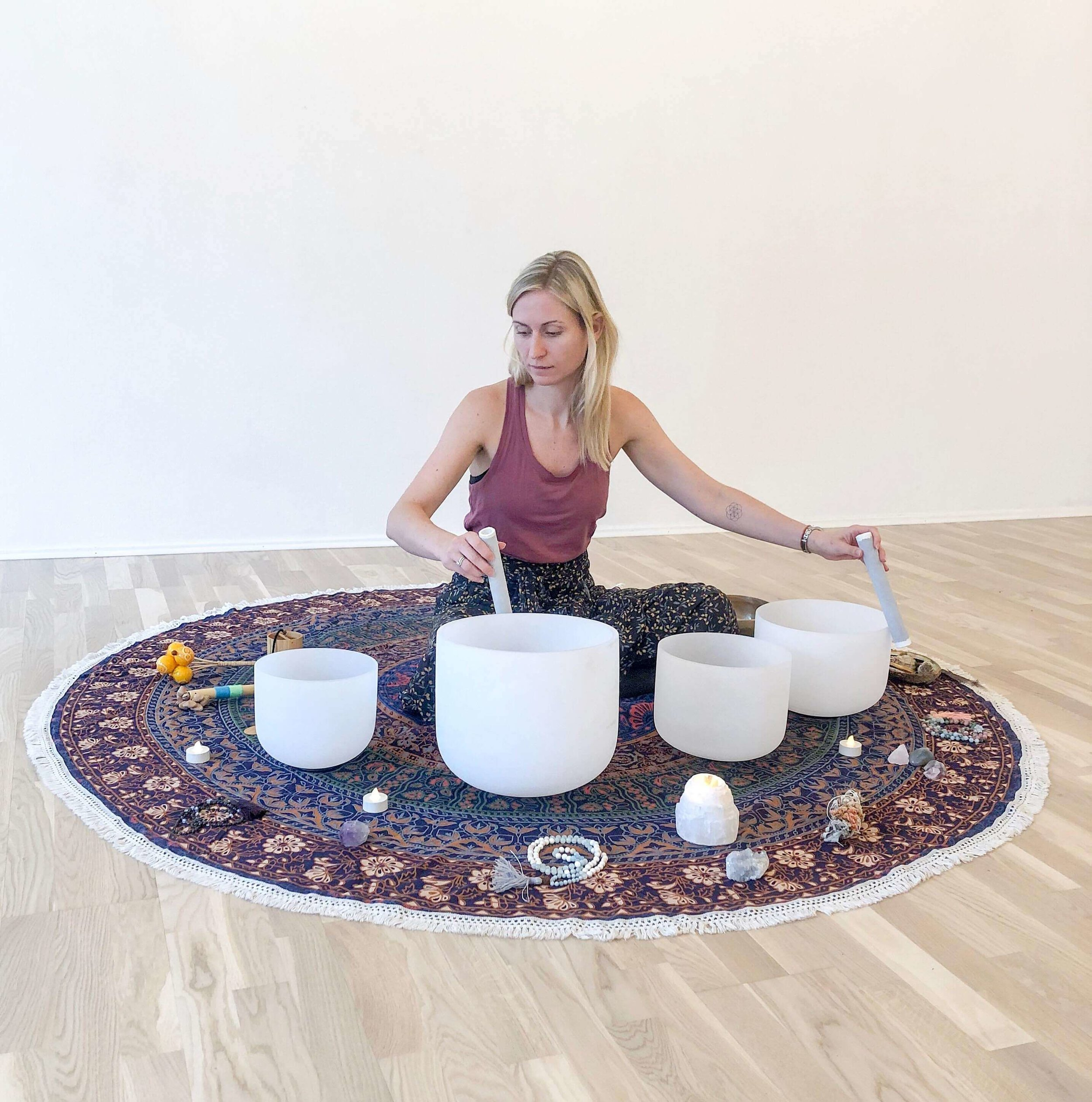 Enjoy the soothing sounds of crystal bowl vibrations during the daily Sound Baths. This retreat offers women to come together in a relaxing and soothing environment that welcomes everyone to share and hold space for one another.