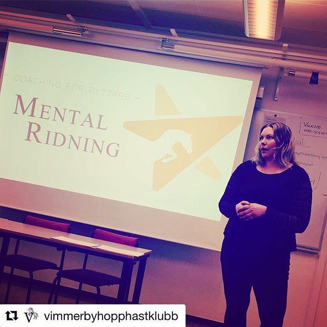 Idag hade jag nöjet att besöka @vimmerbyhopphastklubb och tala om allt från prestationsångest till pms 😀 Tack för en fin eftermiddag!  #Repost @vimmerbyhopphastklubb ・・・ Nu, föreläsningen med @mental_ridning och @susanna.davidsson om MENTAL RIDNING! 🦄🔝 #vimmerbyhopphästklubb #hippoteketvimmerby