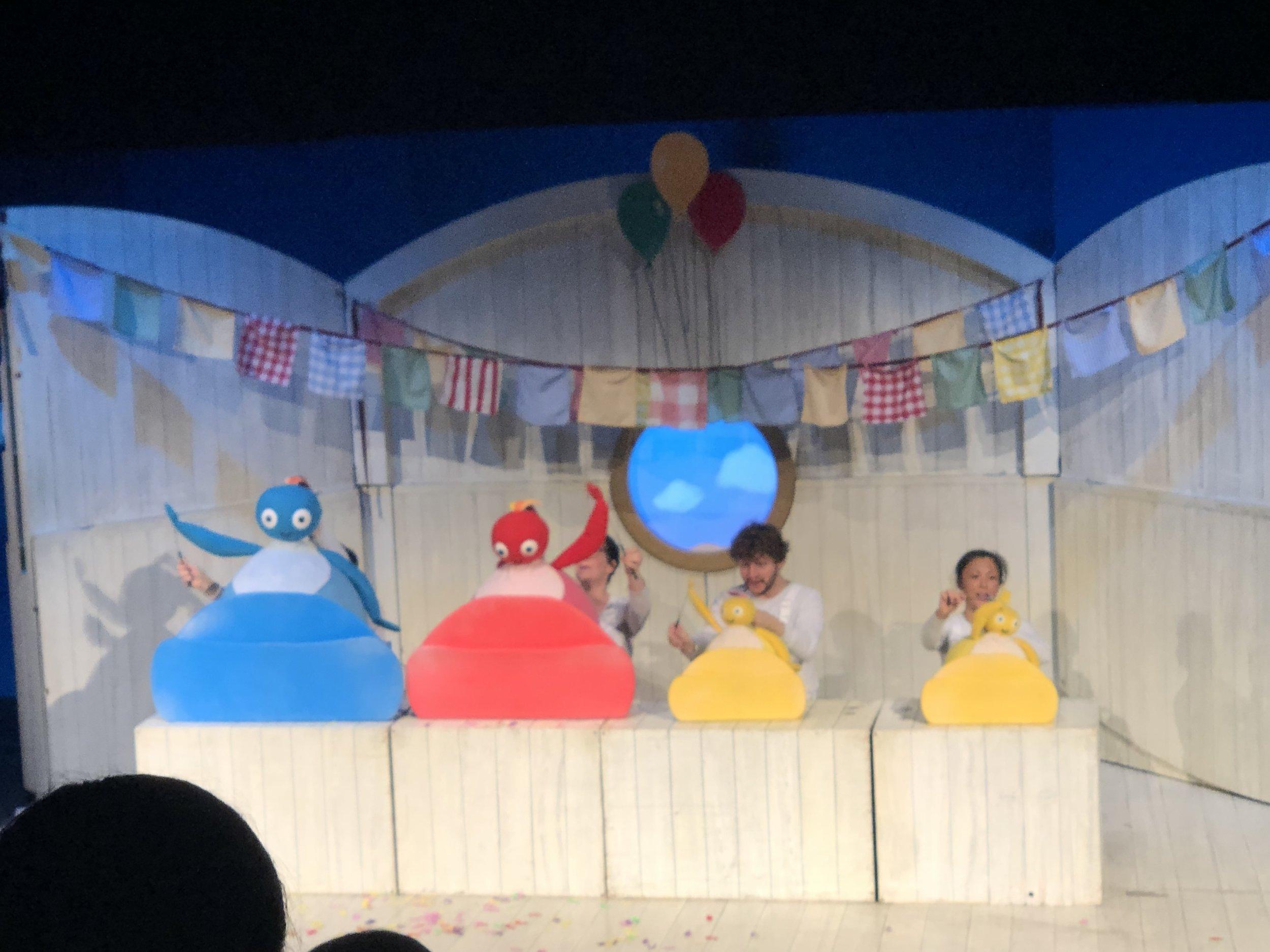 twirlywoos-live-theatre-pre-schooler-under-fives-day-out-kent-tunbridge-wells-support-local-magazine.jpg