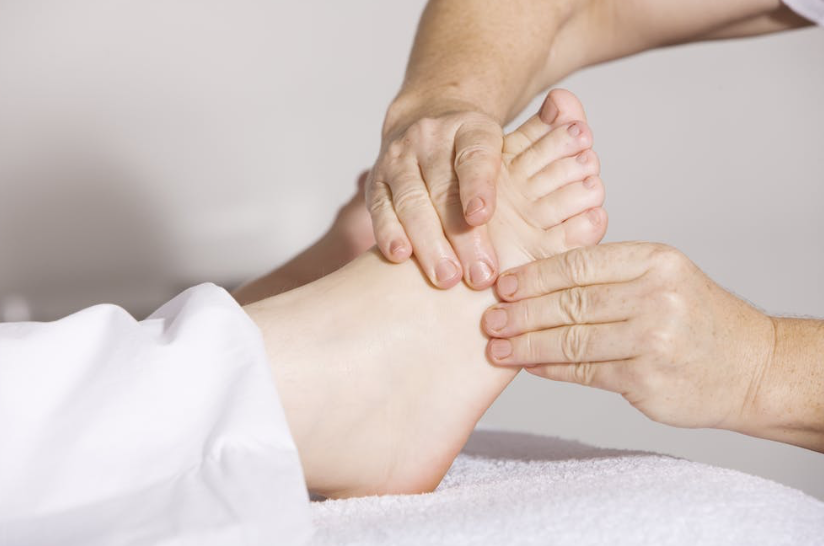 The-big-tie-reflexology-heath-wellbeing-support-local-magazine-0.png