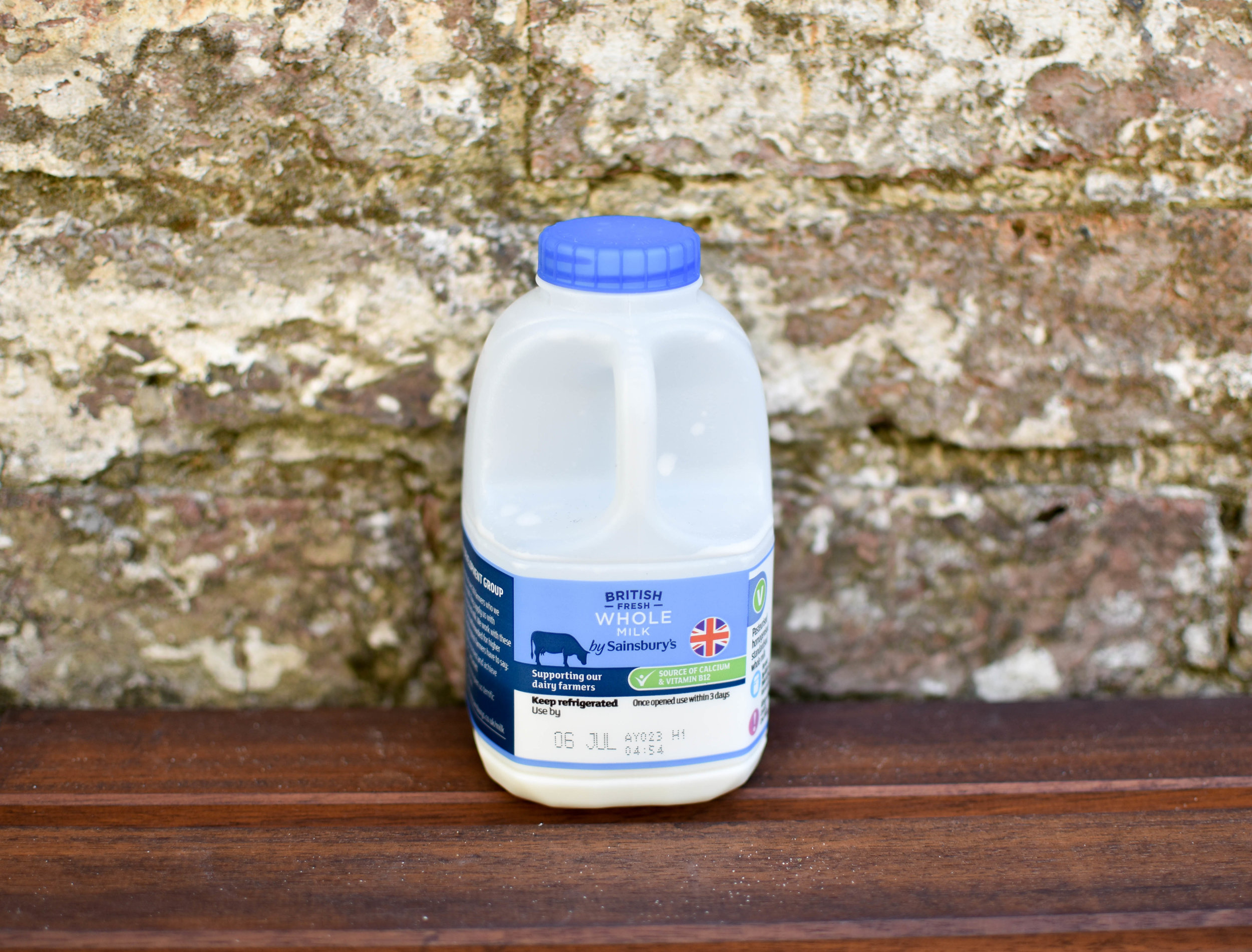 milk-sainsburies-glass-bottle-milk-deliver-milk-and-moretunbridge-wells-plastic-free-support-local-magazine.jpg