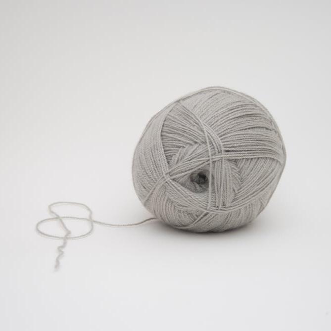 knitting-for-beginners-ball-of-yarn.jpeg