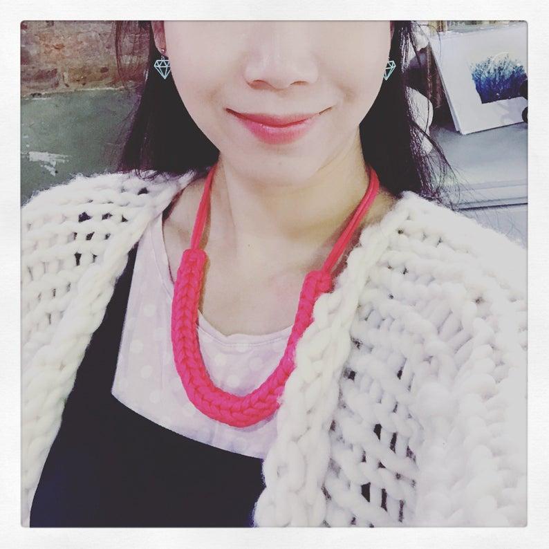 handmade-cotton-necklace-pattern-knitting-crochet-support-local-magazine-pink-neckalce.jpg